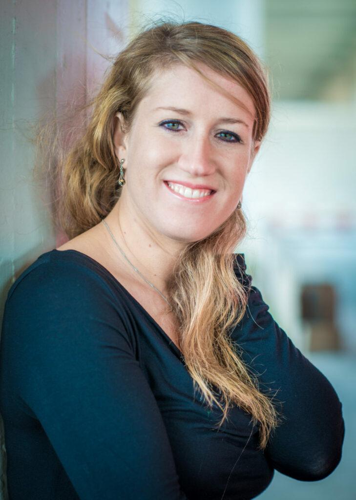 Deborah Loosli Sprecherin für Hörspiele online Medien Radio und TV