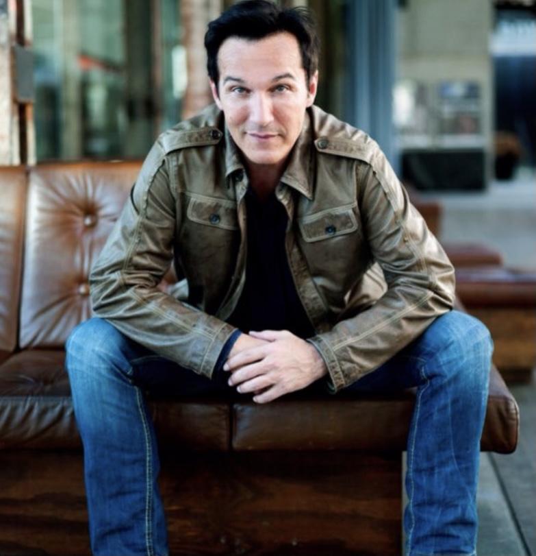 Philippe Roussel Sprecher Schauspieler für online Medien TV und Radio