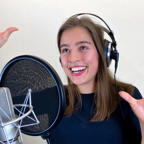 Giovanna Meyrat Sprecherin für frische Spots und Hörspiele
