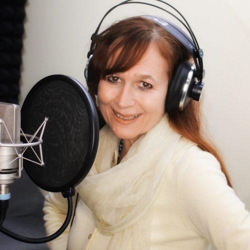 Gabriela Steinmann wandelbare Sprecherin für Corporate Projekte und Hörspiele